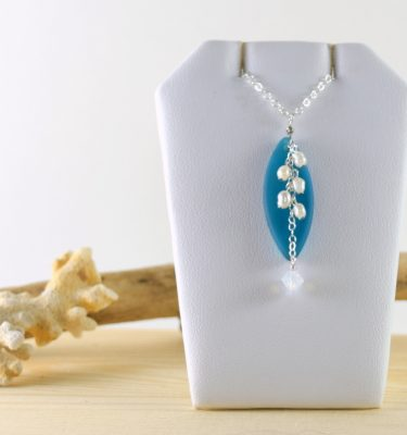 Teal marquise glass necklace 1