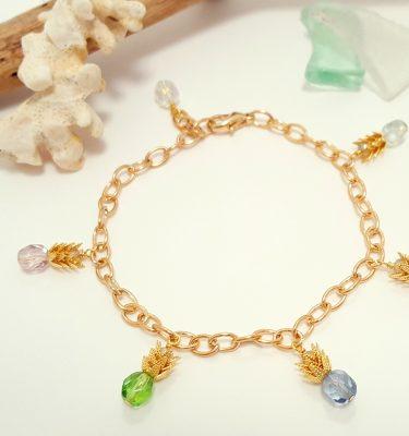 Pineapple charm bracelet gold 1